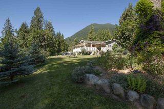 Photo 1: 10486 N DEROCHE Road in Mission: Dewdney Deroche House for sale : MLS®# R2359697