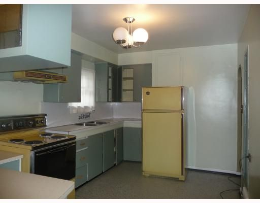 Photo 5: Photos: 2457 BROCK Street in Vancouver: Collingwood VE House for sale (Vancouver East)  : MLS®# V810270