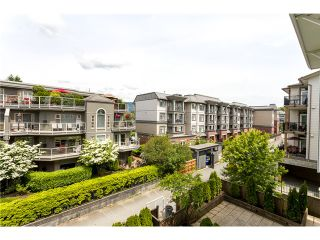 """Photo 3: 306 2373 ATKINS Avenue in Port Coquitlam: Central Pt Coquitlam Condo for sale in """"CARMANDY"""" : MLS®# V1069079"""
