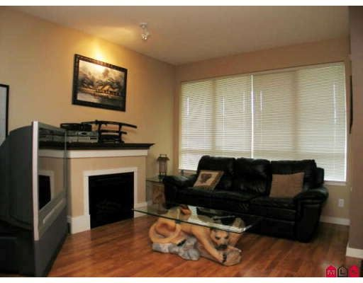 "Photo 2: Photos: 33 16772 61ST Avenue in Surrey: Cloverdale BC Townhouse for sale in ""Laredo"" (Cloverdale)  : MLS®# F2824173"