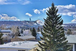 Photo 2: 4514 73 Street NW in Calgary: Bowness Row/Townhouse for sale : MLS®# A1081394