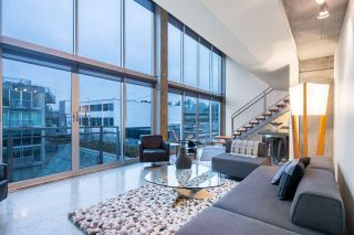 """Photo 2: PH 610 1540 W 2ND Avenue in Vancouver: False Creek Condo for sale in """"The Waterfall Building"""" (Vancouver West)  : MLS®# R2606884"""