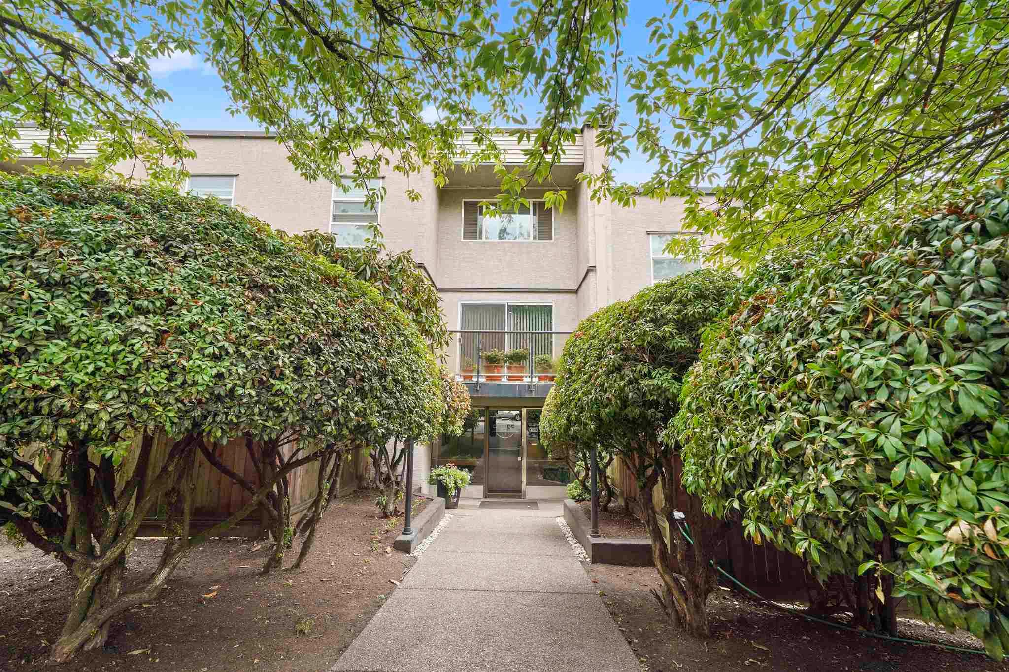Main Photo: 305 312 CARNARVON Street in New Westminster: Downtown NW Condo for sale : MLS®# R2608269