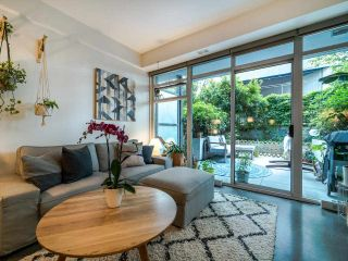 """Photo 6: 222 256 E 2ND Avenue in Vancouver: Mount Pleasant VE Condo for sale in """"Jacobsen"""" (Vancouver East)  : MLS®# R2495462"""