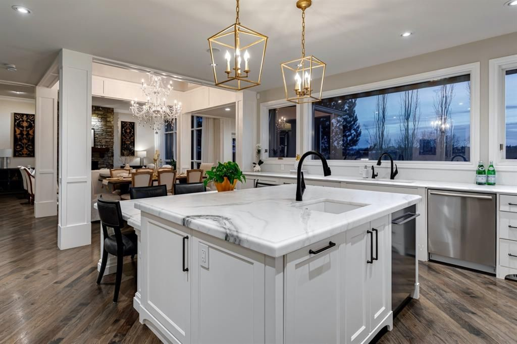 Main Photo: 2319 Juniper Road NW in Calgary: Hounsfield Heights/Briar Hill Detached for sale : MLS®# A1061277