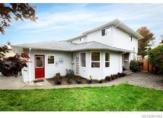 Main Photo: B 4658 Northland Pl in : CV Courtenay East Half Duplex for sale (Comox Valley)  : MLS®# 851483