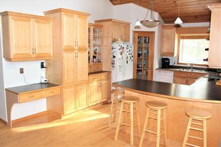 Photo 5: 22 St Andrews View in Traverse Bay: Grand Pines Golf Course Residential for sale (R27)  : MLS®# 202027370