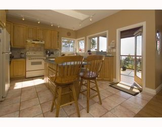 """Photo 5: 387 VERNON Place in Gibsons: Gibsons & Area House for sale in """"ISLANDVIEW ESTATES"""" (Sunshine Coast)  : MLS®# V787669"""
