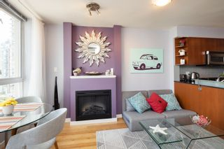"""Photo 15: 1108 822 SEYMOUR Street in Vancouver: Downtown VW Condo for sale in """"L'ARIA"""" (Vancouver West)  : MLS®# R2393856"""