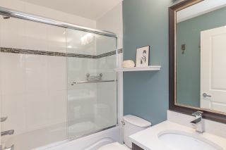 """Photo 15: 7 2950 LEFEUVRE Road in Abbotsford: Aberdeen Townhouse for sale in """"Cedar Landing"""" : MLS®# R2462151"""