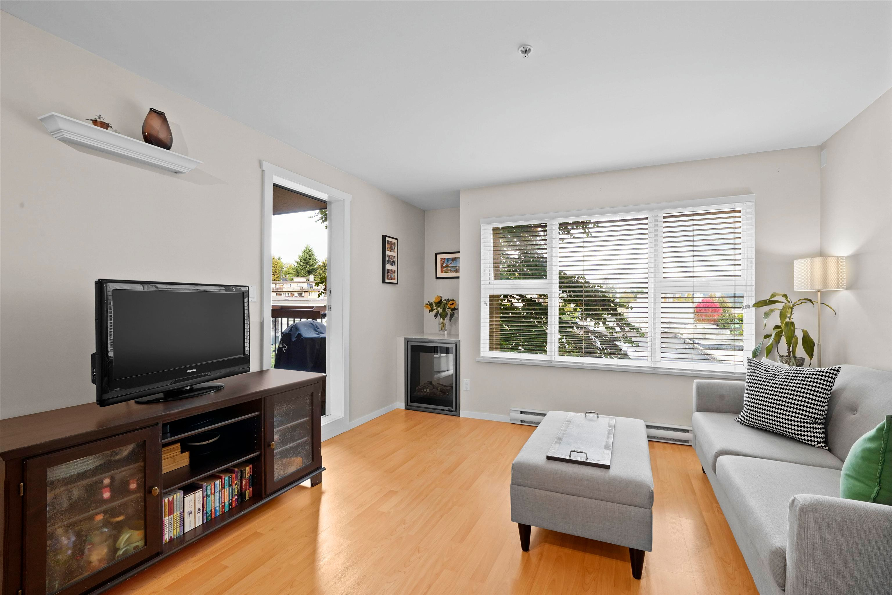 """Main Photo: 407 415 E COLUMBIA Street in New Westminster: Sapperton Condo for sale in """"San Marino"""" : MLS®# R2621880"""