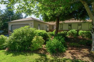 Photo 1: 845 Clayton Rd in : NS Deep Cove House for sale (North Saanich)  : MLS®# 877341