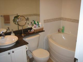 Photo 9: 201 4233 Bayview Street in The Village: Home for sale : MLS®# V821799