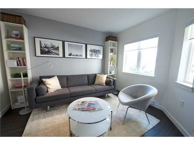 Main Photo: 305 370 CARRALL STREET in : Downtown VE Condo for sale (Vancouver East)  : MLS®# V1106969