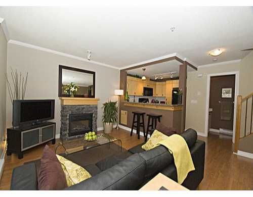 """Photo 2: Photos: 7488 SOUTHWYNDE Ave in Burnaby: South Slope Townhouse for sale in """"LEDGESTONE"""" (Burnaby South)  : MLS®# V622682"""