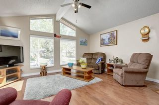 Photo 3: 924 MIDRIDGE Drive SE in Calgary: Midnapore House for sale
