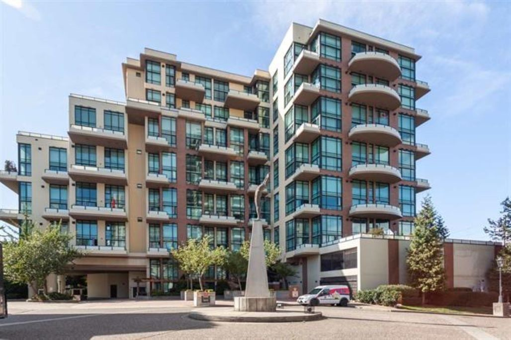 "Main Photo: 709 10 RENAISSANCE Square in New Westminster: Quay Condo for sale in ""MURANO LOFTS/QUAY"" : MLS®# R2380774"