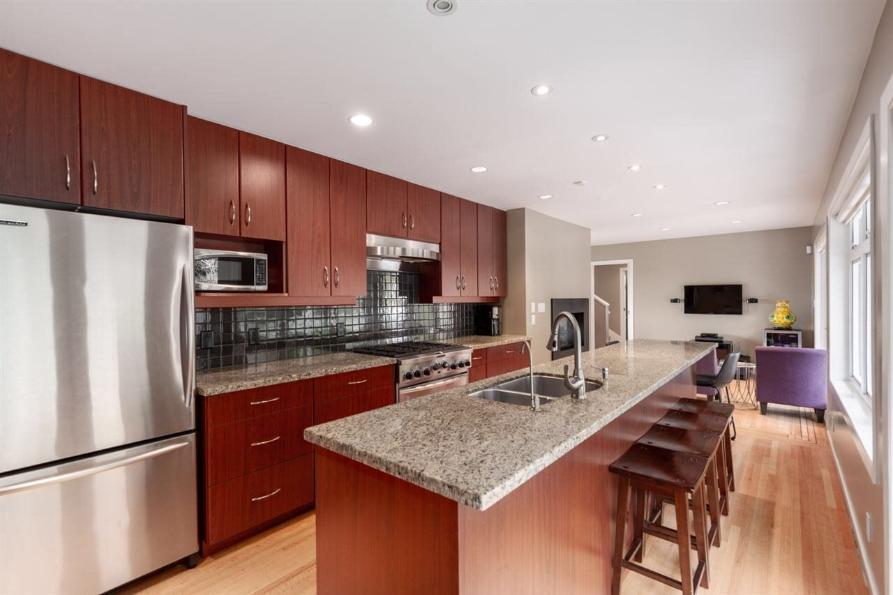 Photo 7: Photos: 4482 RUSKIN PLACE in North Vancouver: Forest Hills NV House for sale : MLS®# R2401876