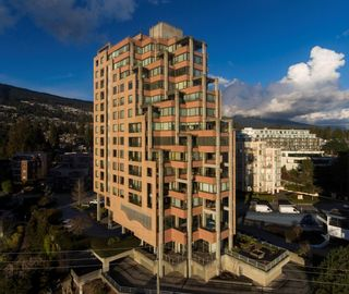 """Main Photo: 12 2250 BELLEVUE Avenue in West Vancouver: Dundarave Condo for sale in """"Les Terraces"""" : MLS®# R2618606"""