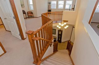 Photo 19: 70 Cresthaven Way SW in Calgary: Crestmont Detached for sale : MLS®# C4285935