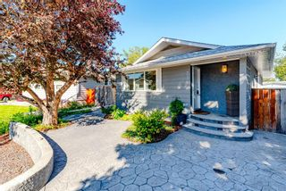 Photo 2: 336 Wascana Crescent SE in Calgary: Willow Park Detached for sale : MLS®# A1144272