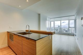 """Photo 5: 3010 4688 KINGSWAY in Burnaby: Metrotown Condo for sale in """"STATION SQUARE"""" (Burnaby South)  : MLS®# R2230142"""