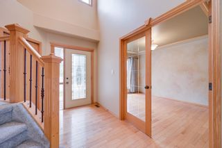 Photo 4: 227 LINDSAY Crescent in Edmonton: Zone 14 House for sale : MLS®# E4265520