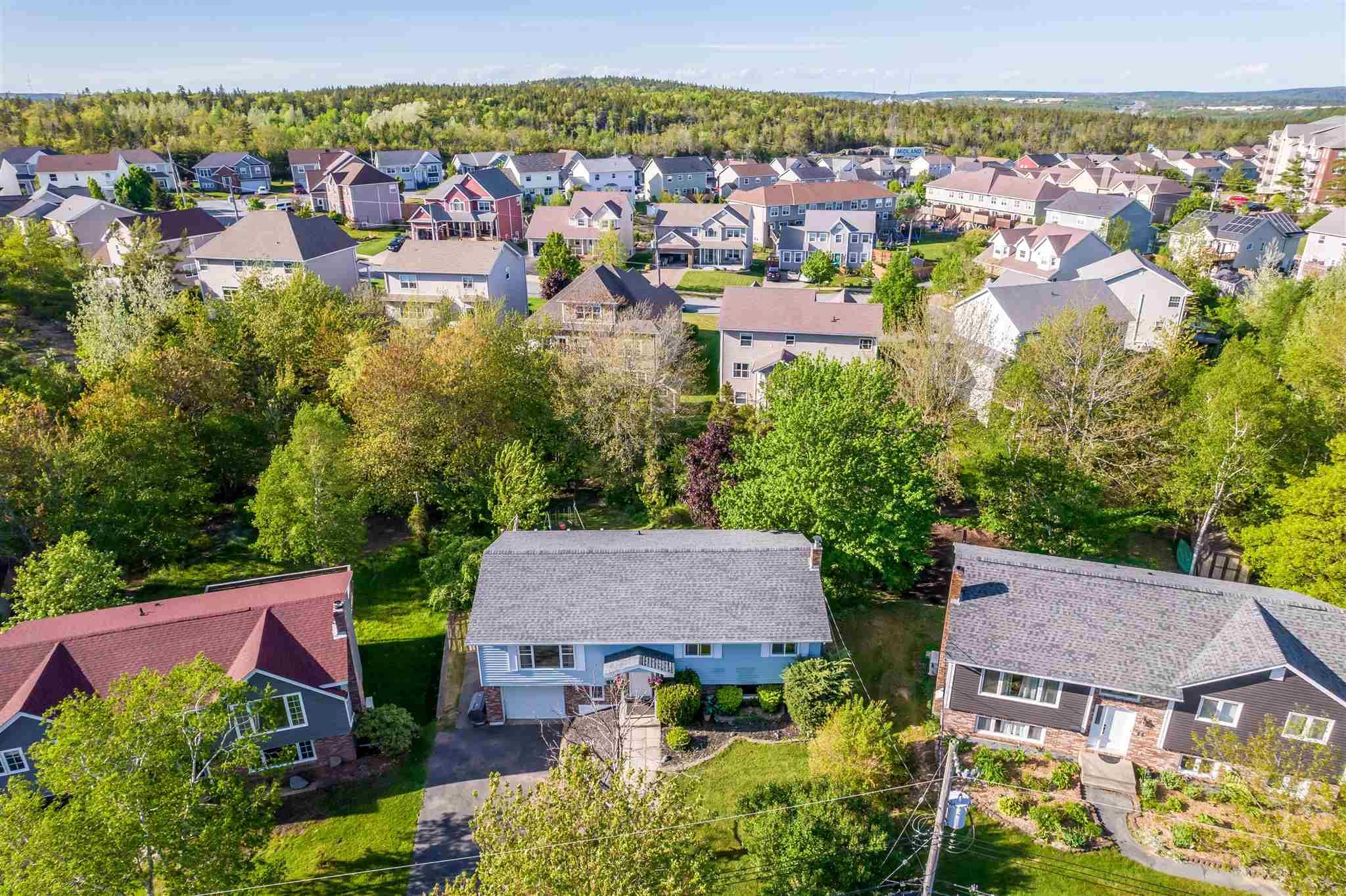 Main Photo: 15 Shoreview Drive in Bedford: 20-Bedford Residential for sale (Halifax-Dartmouth)  : MLS®# 202113835