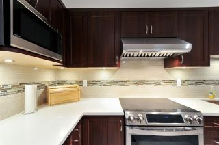 Photo 4: 211 6735 STATION HILL COURT in Burnaby: South Slope Condo for sale (Burnaby South)  : MLS®# R2254939