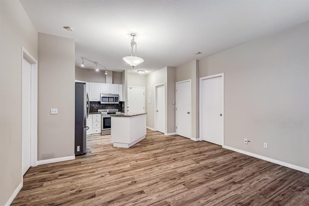 Photo 15: Photos: 204 1000 Applevillage Court SE in Calgary: Applewood Park Apartment for sale : MLS®# A1121312
