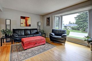 Photo 3: 3428 62 Avenue SW in Calgary: Lakeview House for sale : MLS®# C4128829
