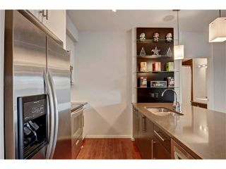 Photo 13: 105 414 MEREDITH Road NE in Calgary: Crescent Heights Condo for sale : MLS®# C4050218