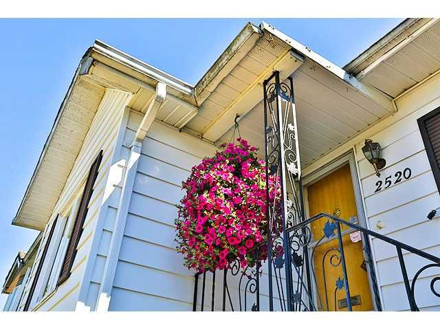 Main Photo: 2520 E 28TH Avenue in Vancouver: Collingwood VE House for sale (Vancouver East)  : MLS®# V1131801
