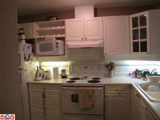 """Photo 4: PH10 1588 BEST Street: White Rock Condo for sale in """"THE MONTERAY"""" (South Surrey White Rock)  : MLS®# F1010312"""