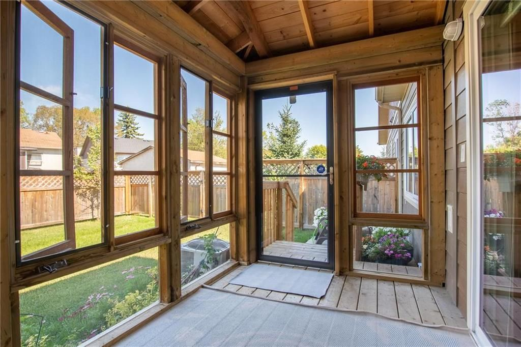 Photo 9: Photos: 2 80 Sandrington Drive in Winnipeg: Condominium for sale (2E)  : MLS®# 202021038