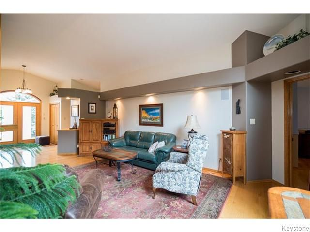 Photo 6: Photos: 2 MENARD Place in Elie: Residential for sale