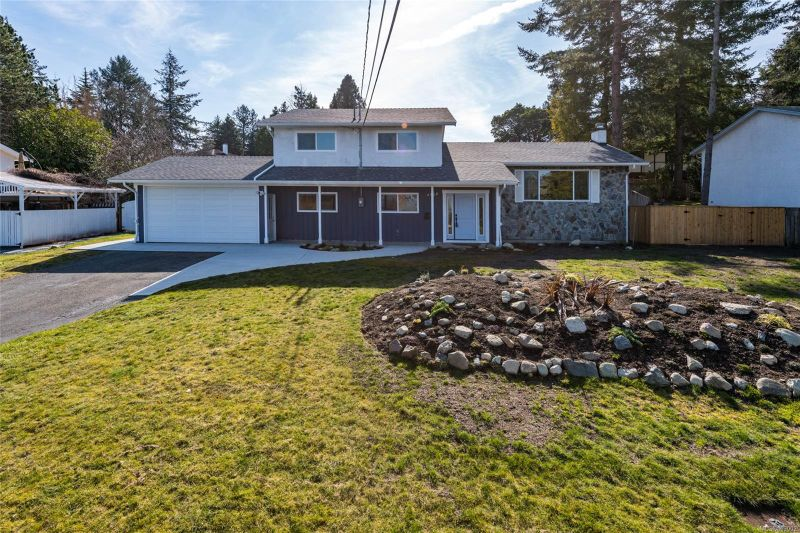 FEATURED LISTING: 4568 Montford Cres