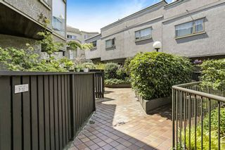 """Photo 3: 10 870 W 7TH Avenue in Vancouver: Fairview VW Townhouse for sale in """"Laurel Court"""" (Vancouver West)  : MLS®# R2594684"""