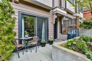 """Photo 2: 114 828 ROYAL Avenue in New Westminster: Downtown NW Townhouse for sale in """"BRICKSTONE WALK"""" : MLS®# R2161286"""