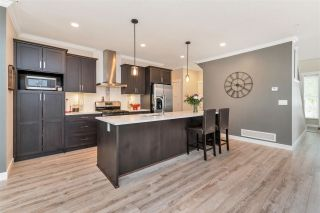 """Photo 15: 37 7138 210 Street in Langley: Willoughby Heights Townhouse for sale in """"Prestwick"""" : MLS®# R2473747"""