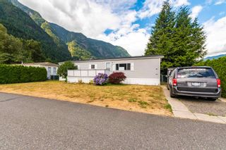 """Photo 31: 24 62790 FLOOD HOPE Road in Hope: Hope Center Manufactured Home for sale in """"SILVER RIDGE ESTATES"""" : MLS®# R2602914"""