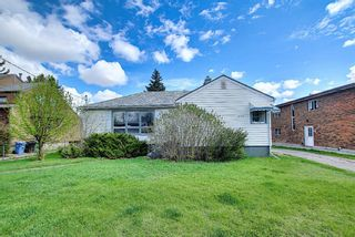 Main Photo: 606 30 Avenue NE in Calgary: Winston Heights/Mountview Detached for sale : MLS®# A1106837