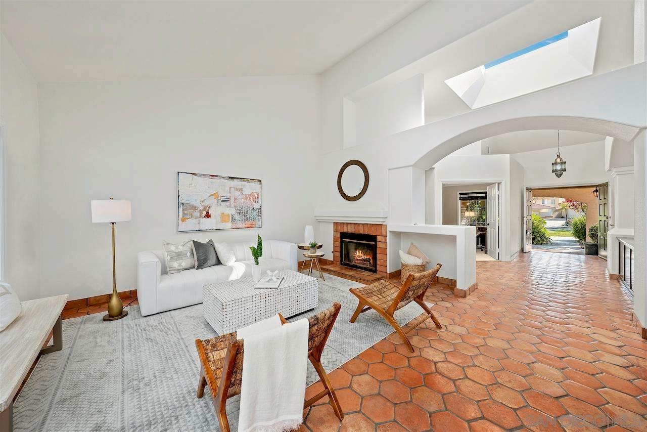 Main Photo: OCEANSIDE House for sale : 4 bedrooms : 360 Vista Marazul