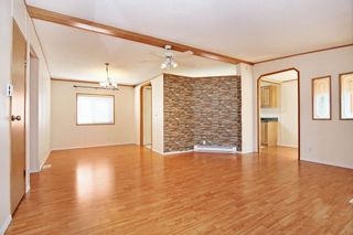 Photo 3: 40 41168 LOUGHEED Highway: Manufactured Home for sale in Mission: MLS®# R2604982