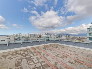 """Photo 2: 1806 111 E 1ST Avenue in Vancouver: Mount Pleasant VE Condo for sale in """"BLOCK 100"""" (Vancouver East)  : MLS®# R2614472"""