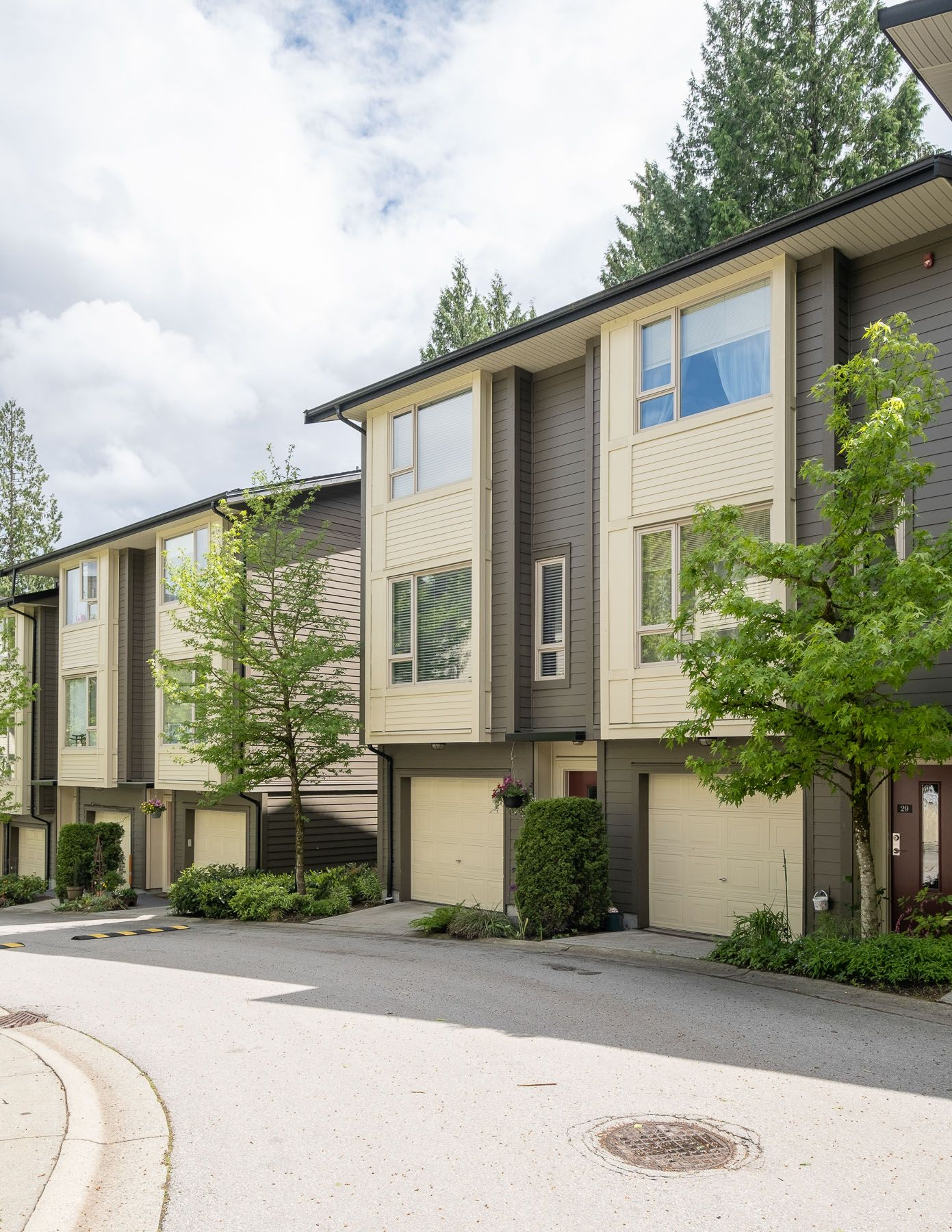"""Photo 24: Photos: 28 9229 UNIVERSITY Crescent in Burnaby: Simon Fraser Univer. Townhouse for sale in """"SERENITY"""" (Burnaby North)  : MLS®# R2589602"""