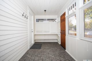 Photo 3: 313 29th Street West in Saskatoon: Caswell Hill Residential for sale : MLS®# SK872106