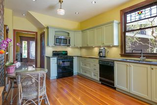 Photo 8: 906 E 20TH Avenue in Vancouver: Fraser VE House for sale (Vancouver East)  : MLS®# R2354669