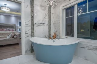 """Photo 25: 898 W 24 Avenue in Vancouver: Cambie House for sale in """"THE LAUREL"""" (Vancouver West)  : MLS®# R2547961"""