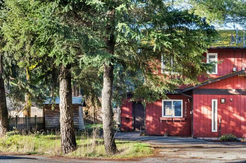 FEATURED LISTING: B - 2320 Sooke Rd